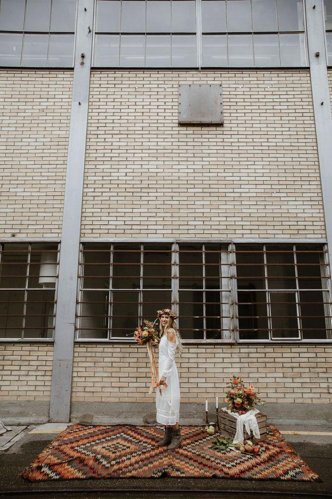 Braut vor Indutrielocation