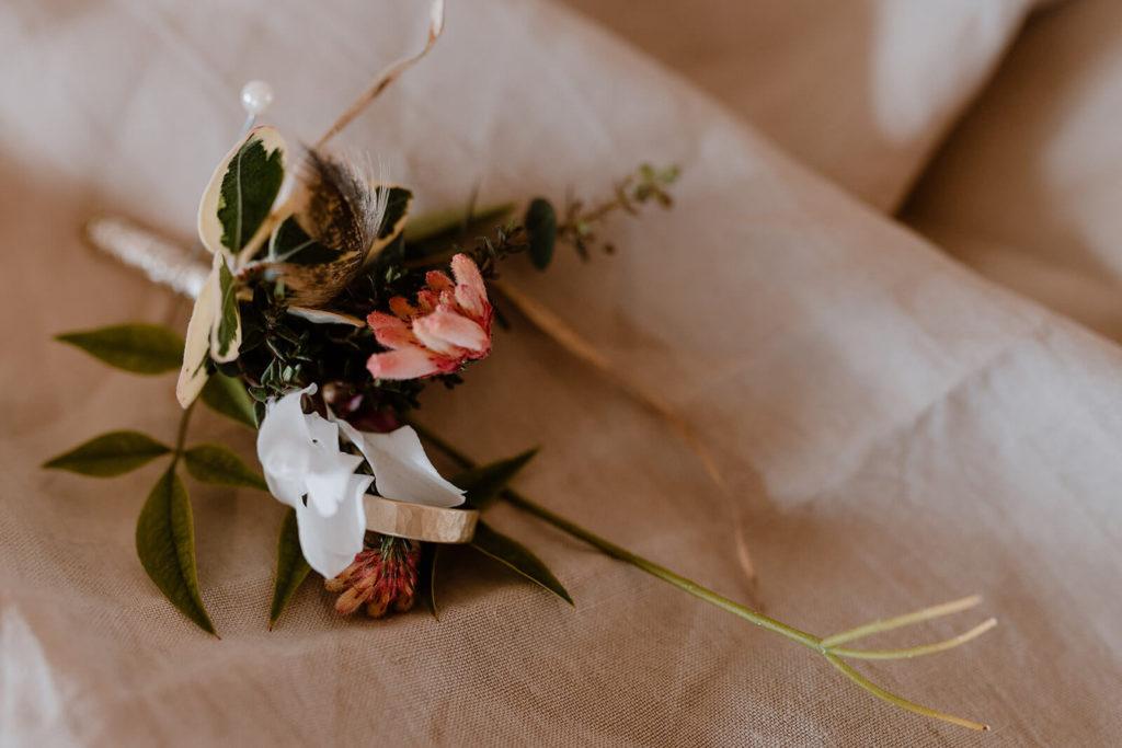 Anstecker aus Blumen